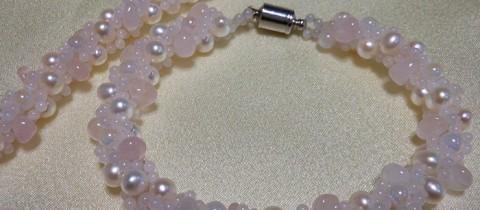 天然石*パール(淡水真珠)とローズクォーツのブレス